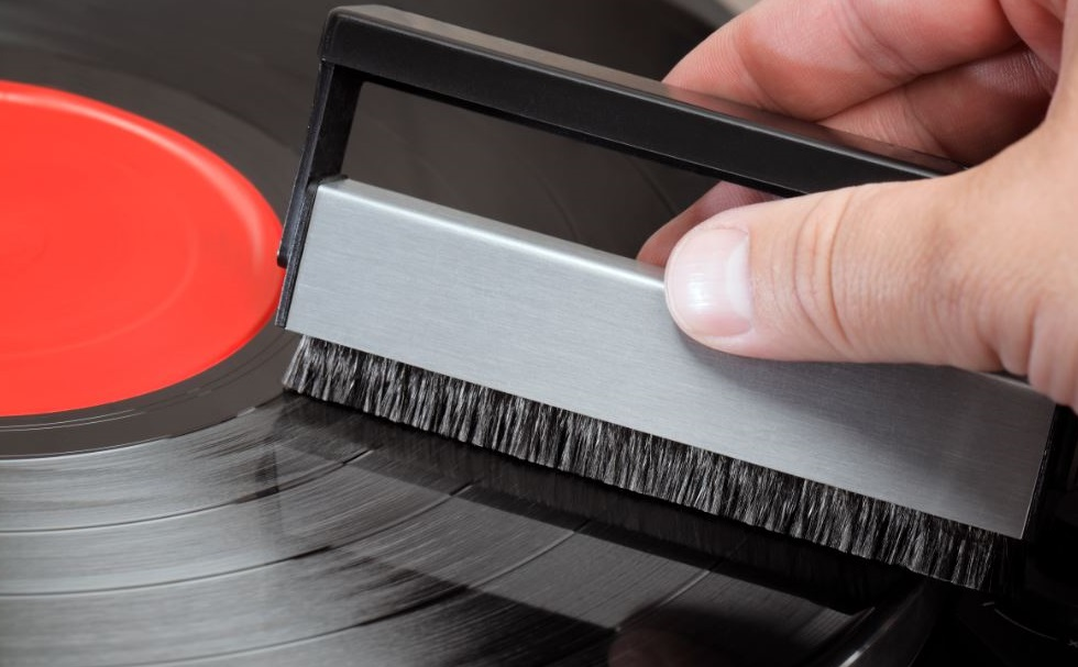 How to Clean Vinyl Records The Easy Way?