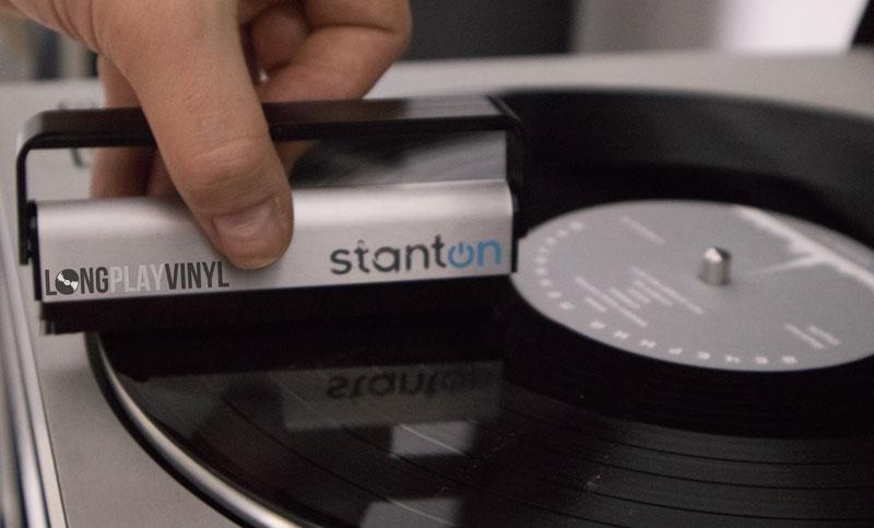 clean_vinil_record